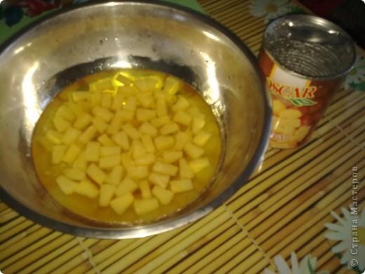 Торт-желе = Битое стекло =  1/2 банки консервированных ананасов  4 пакета разноцветного желе  2 пакета желатина  1 литр сметаны 15-20 %  ванилин  сахар (пудра) 1 стакан фото 2