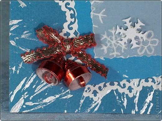 Дед Мороз выполнен в технике теснение и раскрашен акварельными карандашами.  фото 2
