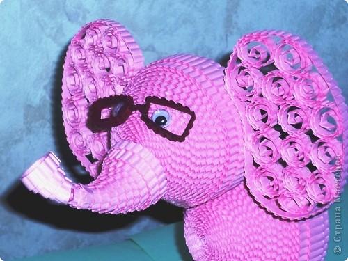 Вспоминая детскую песню, захотелось сделать розового слона. Мне кажется, что розовый слон символизирует какую-то мечту, сказку. фото 3