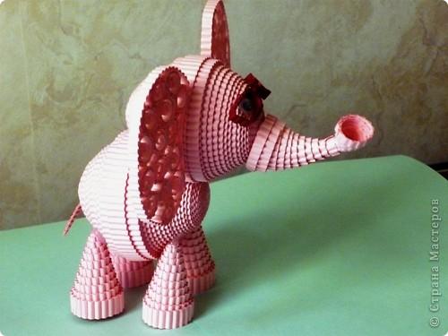 Вспоминая детскую песню, захотелось сделать розового слона. Мне кажется, что розовый слон символизирует какую-то мечту, сказку. фото 2