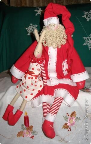 Санта у меня получился очень серьезным мужчиной. рост 50см. фото 1