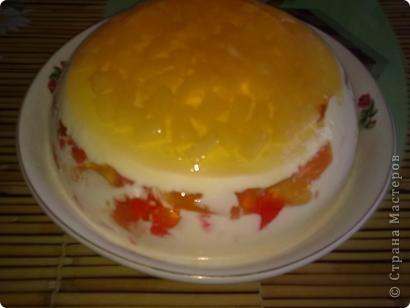 Торт-желе = Битое стекло =  1/2 банки консервированных ананасов  4 пакета разноцветного желе  2 пакета желатина  1 литр сметаны 15-20 %  ванилин  сахар (пудра) 1 стакан фото 1