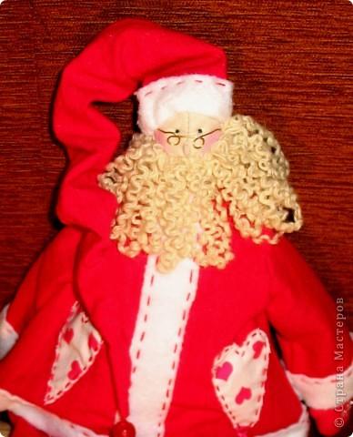 Санта у меня получился очень серьезным мужчиной. рост 50см. фото 2