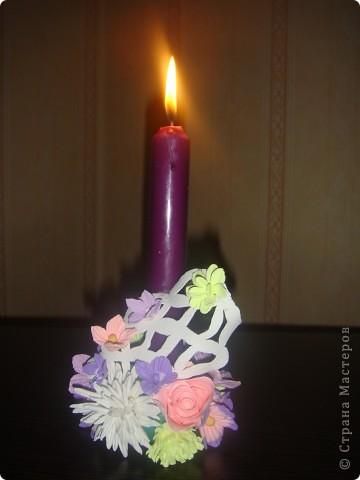 Подсвечник, украшенный цветочками. фото 1
