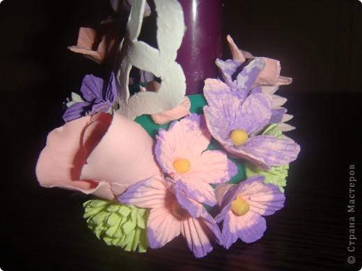 Подсвечник, украшенный цветочками. фото 3