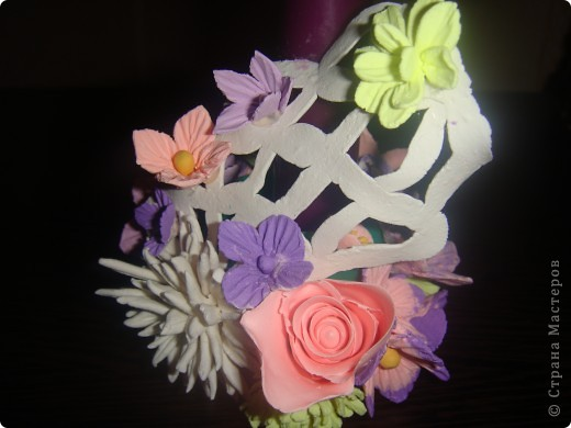 Подсвечник, украшенный цветочками. фото 8