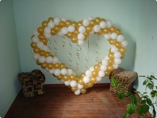 Сердце из воздушных шаров фото 1