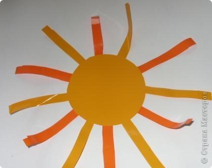 Для совместного творчества. Малыши могут приклеивать лучики и соединять их. А  взрослые помогут сделать остальное. Материал - самоклеящаяся пленка. фото 4