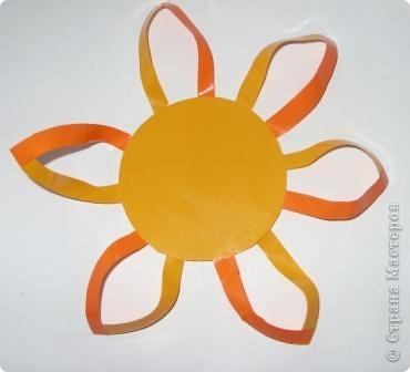 Для совместного творчества. Малыши могут приклеивать лучики и соединять их. А  взрослые помогут сделать остальное. Материал - самоклеящаяся пленка. фото 6