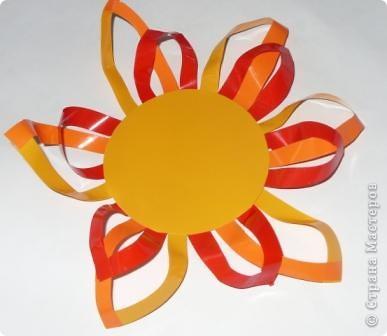 Для совместного творчества. Малыши могут приклеивать лучики и соединять их. А  взрослые помогут сделать остальное. Материал - самоклеящаяся пленка. фото 7