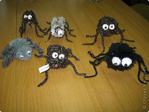 Игрушки из помпонов. фото 8