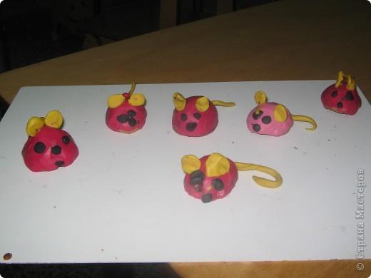 У нас получились красные мышки. фото 1