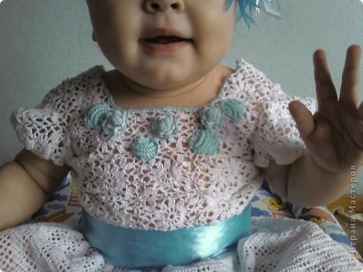 Вот такое платьице вязала доченьке к первому дню рождения фото 2