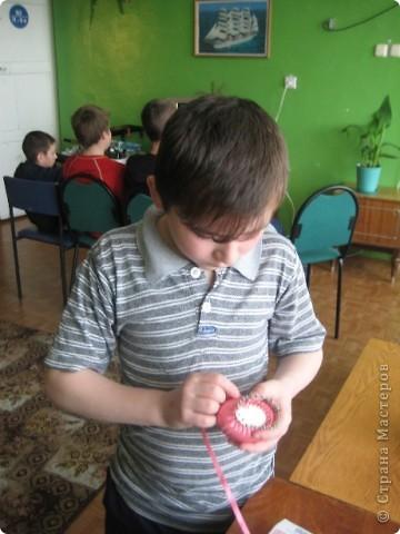 Эти корзинки делали мальчики - воспитанники приюта. Занятие им это очень понравилось. фото 2