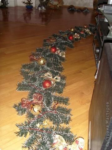 Новогоднее  украшение  на  перило