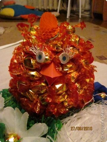 цыпленок из конфет. извините, качество фото не очень фото 2
