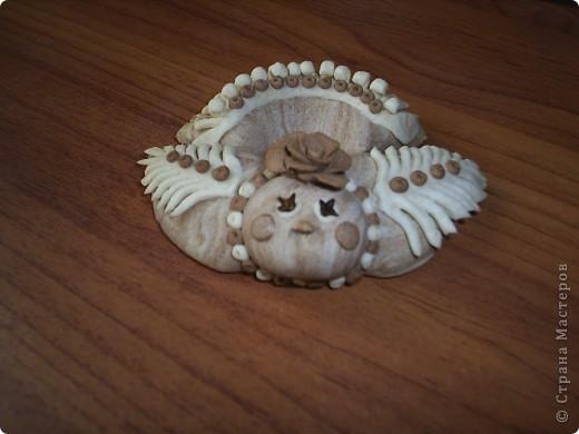 Курочка из соленого теста  подкрашенного какао, глазки гвоздички.  фото 2