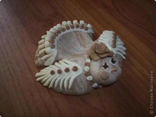 Курочка из соленого теста  подкрашенного какао, глазки гвоздички.  фото 1