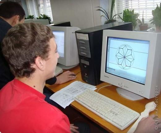 Интегрированный урок: используя полученные знания по информатике, ученики должны составить орнамент для декорирования своей ложки. фото 2