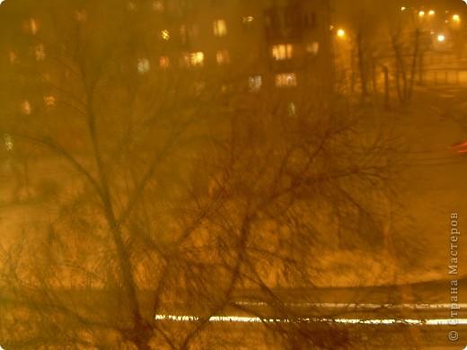 Сегодня у нас  с утра пошёл мелкий осенний дождь. Во второй половине дня дождь усилился, перерос в ливень. К пяти часам небо потемнело. Стало темно , как ночью. И в 8 часов пошел сильный снег!!! фото 2