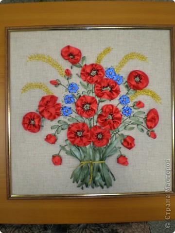 Эта работа заключительная в триптихе полевых цветов на светлом фоне