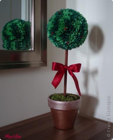 Сделала свое новогоднее дерево. Очень интересная техника, захотелось попробовать, как это будет. Вроде бы получилось. Спасибо за МК Kukushechka. фото 1