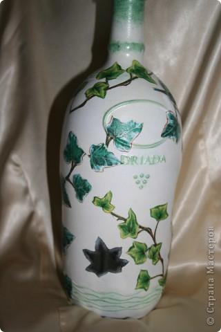 Очень понравилась салфеточка, на одной бутылке не смогла остановиться... Так и стоят теперь рядом фото 1