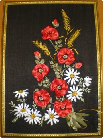 цветы на чёрном фоне Ленты