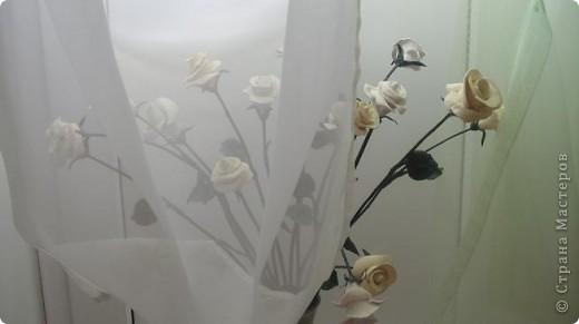 Это белое очарование сделано на юбилей близкой подруги. Раньше лепила и дарила только сладкие розы в корзинках и вот решила сделать букет из соленого теста, чтобы радостный день запомнился надолго фото 3