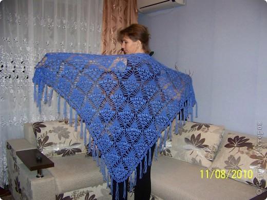 Меня очень увлёк процесс вязания и поэтому вторую шаль я связала на одном дыхании... фото 1
