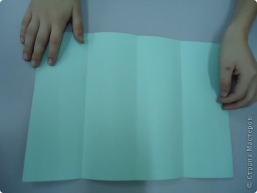 Как и обещала,представляю Вашему вниманию МК по изготовлению бумажного домика. С большим энтузиазмом взялись мне помочь два ученика третьего класса. фото 4