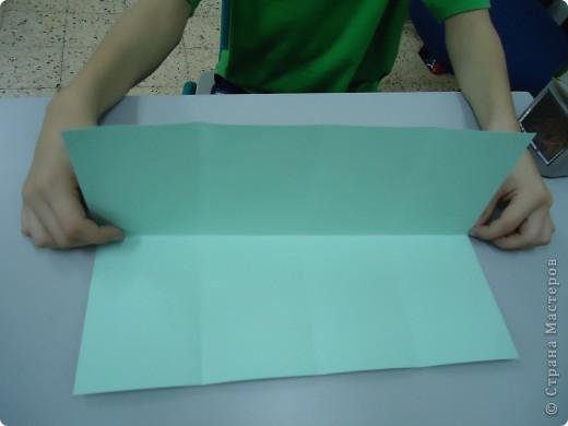 Как и обещала,представляю Вашему вниманию МК по изготовлению бумажного домика. С большим энтузиазмом взялись мне помочь два ученика третьего класса. фото 5