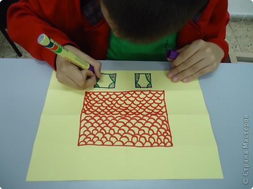 Как и обещала,представляю Вашему вниманию МК по изготовлению бумажного домика. С большим энтузиазмом взялись мне помочь два ученика третьего класса. фото 11
