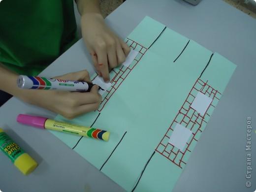 Как и обещала,представляю Вашему вниманию МК по изготовлению бумажного домика. С большим энтузиазмом взялись мне помочь два ученика третьего класса. фото 12
