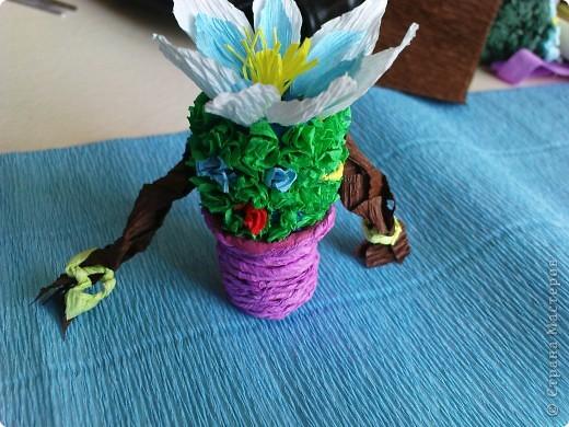 Вот моя и не только моя фантазия разливается в различных  бумажных красках, порхает бабочкой по цветам, представляется сказочными героями и улыбается на лицах наших детей.  фото 6