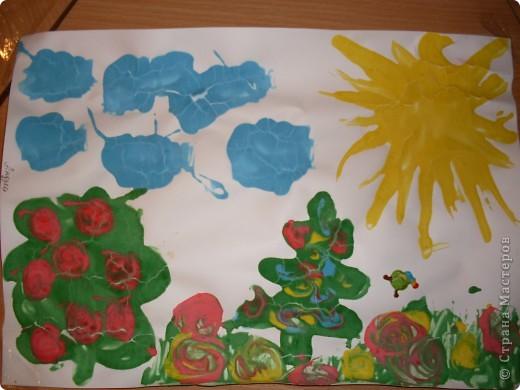 Решили с детишками немного порисовать,но не красками а жидким тестом.И вот что получилось,использовали,ложки,зубочистки и кисточки. фото 1