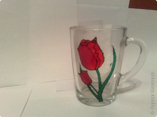 Мой первый опыт росписи по стеклу! не судите строго!  Вот такая чашечка у меня получилась! фото 1