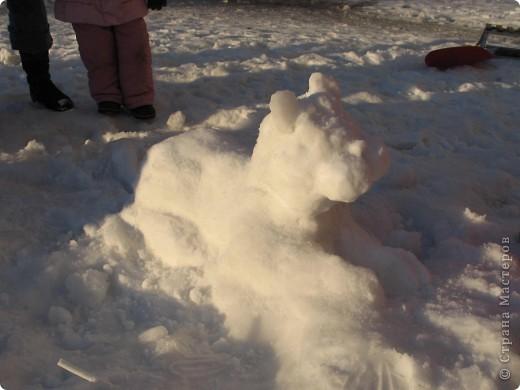 Это было прошлой зимой. Мы слепили символ нынешнего года. фото 2