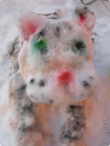 Это было прошлой зимой. Мы слепили символ нынешнего года. фото 6