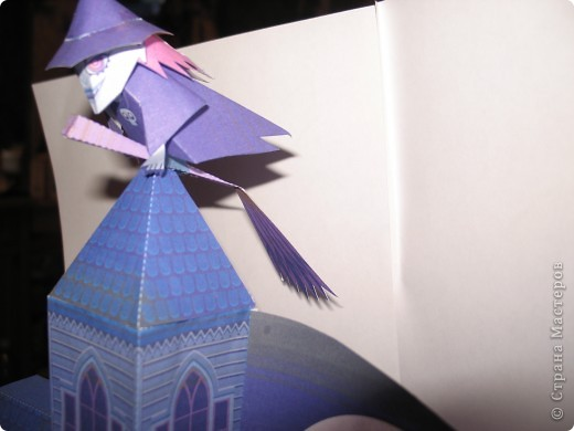 """Поделка на Хэллоуин из бумаги. Выкройка готовая взята с того же сайта ,что и """"домашний кинотеатр"""". фото 5"""