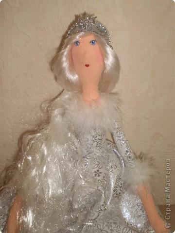 К новому году Снегурочки тильды. Рост 65 см. Сапожки, штаны и короны съемные. фото 3