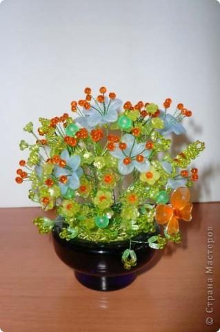 Цветочные и ягодные композиция из бисера Бисероплетение.