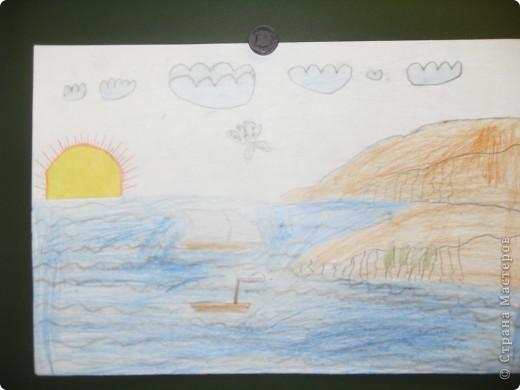 Работа Фадеевой Елизаветы. В основе воздушный шарик, солнечная корона из картона. фото 10