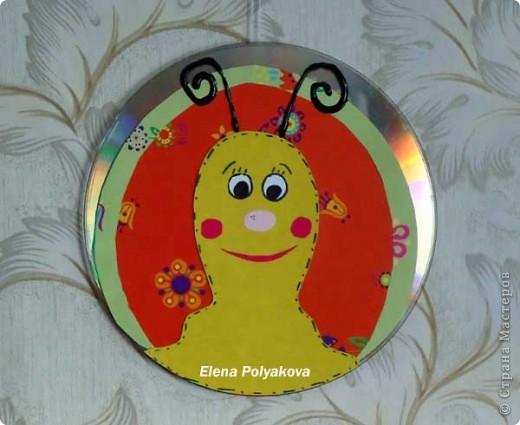 Создание поделок из старых CD дисков оказалось очень увлекательным занятием, и вылилось в серию вот таких мордашек.  фото 6