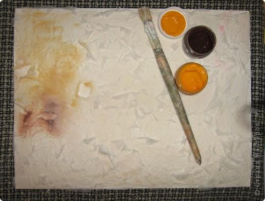 Моё кофейное настроение. Основа может использоваться  для самых разных поделок! А вот моё применение.     Вам понадобится:лист плотной бумаги или картона, бумажные полотенца или салфетки, белая тонкая бумага для принтера или распечатка чашки и блюдца, кофейные зёрна, гуашь, жёсткая кисточка, вода. фото 4