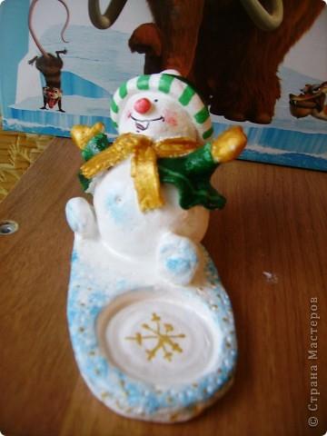 Здравствуйте! Очень рада, что вы зашли ко мне в гости! Вот и я начала  готовить сувениры  друзьям и знакомым к Новому году! Такие снеговички-подсвечники у меня получились. фото 5