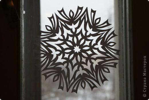 Это мой муж вырезал в прошлом году, вдохновившись снежинками из Страны Мастеров. фото 2