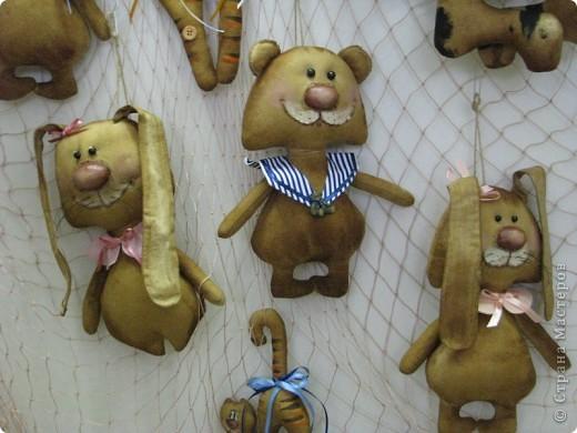 Дорогие мастерицы! подскажите, как выполняются игрушки в такой технике - они потом пахнут корицей и ванилью, как этого добиться? слышала, что как-то подпекают в духовке.... фото 1