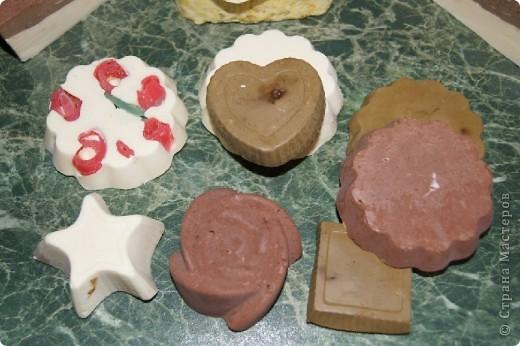 Использовала силиконовые формочки, очень удобно вынимается мыло) фото 1