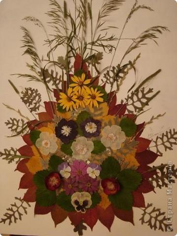 """Приближается наш праздник """"День матери"""". В меня вселилось вдохновение и я смастерила для вас,милые мамочки ,эту картину. Цветы всем поднимают настроение И хочется взбодриться, песни петь. И жизнь полна хороших впечатлений И хочется все сделать, все успеть. Так пусть же будет всем чудесно, Друг другу чаще улыбайтесь, И будте как цветы прелестны, И никогда не огорчайтесь! фото 19"""